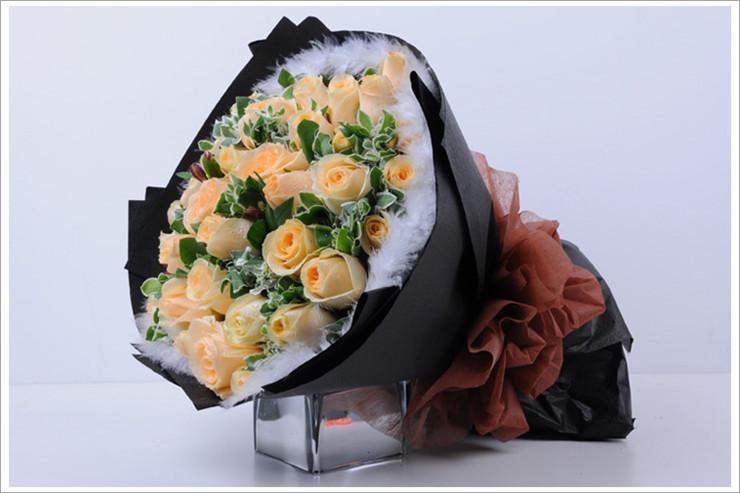 爱唯一33枝香槟玫瑰花束生日爱情礼物礼品浪漫爱情速