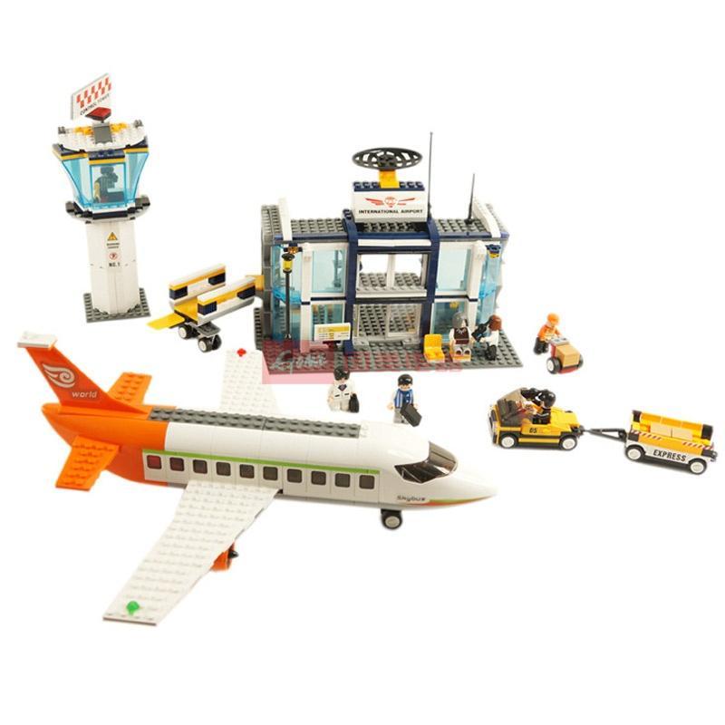 小鲁班 乐高式拼装积木 城市飞机系列大客机场运输车